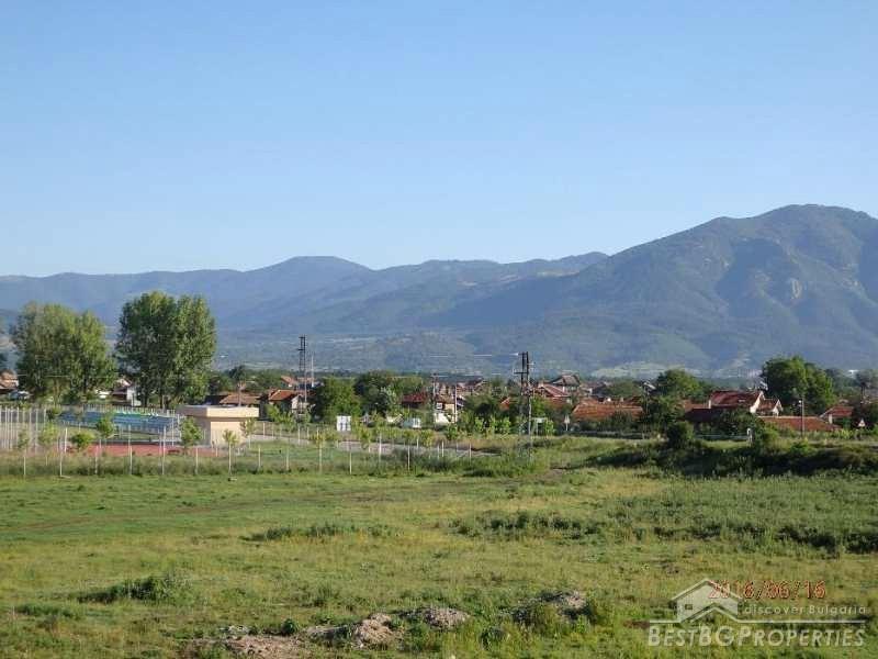 Casa in vendita ai piedi della stara planina for Piani di casa di montagna con seminterrato sciopero