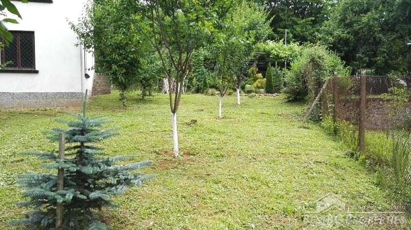 Casa in vendita vicino botevgrad for Piani casa cottage acadian
