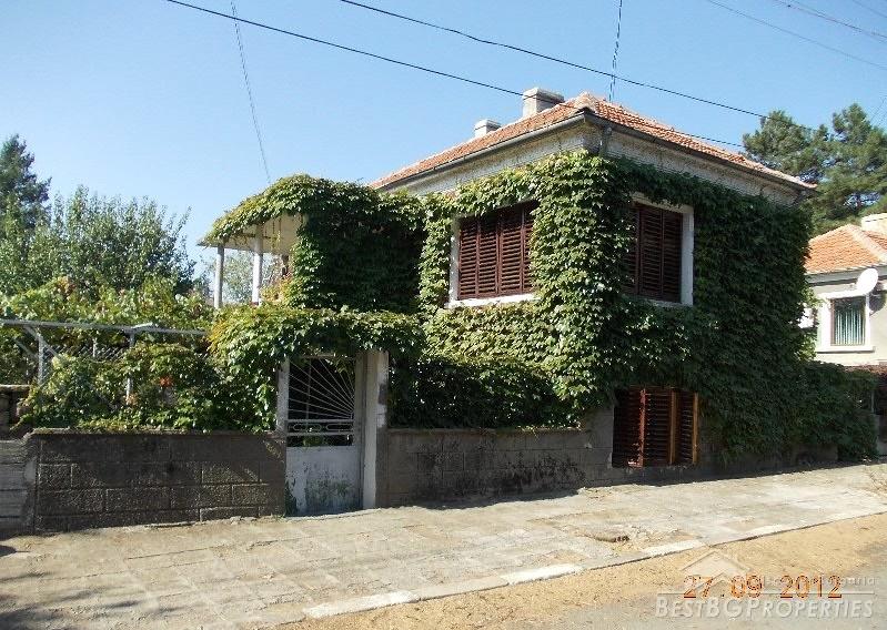 Casa a due piani in vendita a sungurlare for Casa a due piani