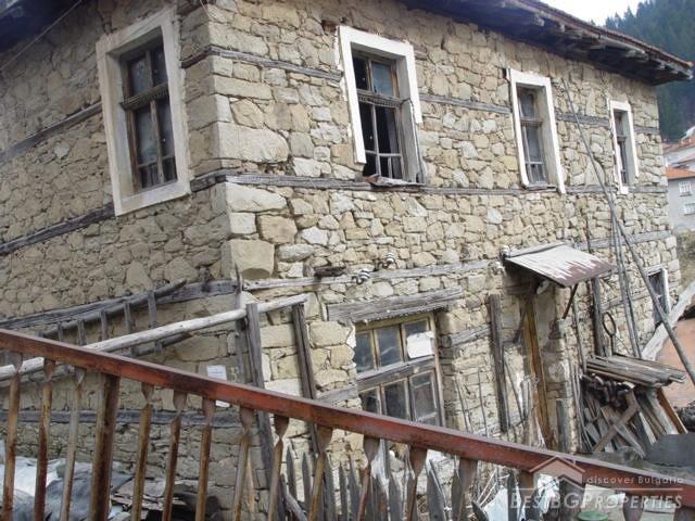 Case Di Montagna In Pietra : Come arredare una casa di montagna hellohome